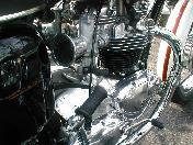 奥様のユニットエンジンのボンネ